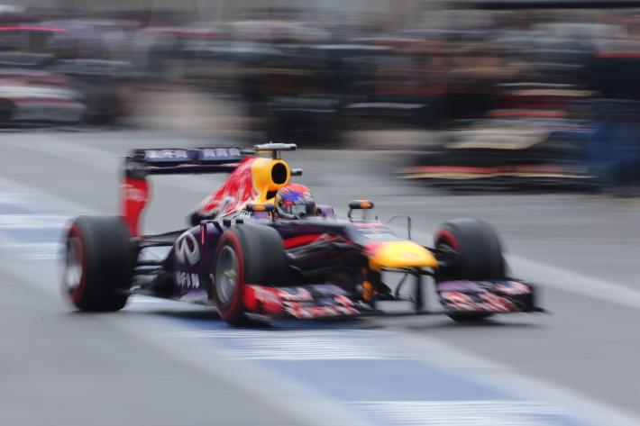 Sebastian Vettel (GER) Red Bull Racing RB9 .